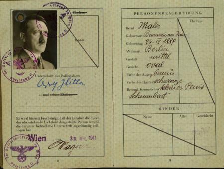 سيرة حياة أدولف هتلر كاملة... adolfsperso1.thumbnail.jpg