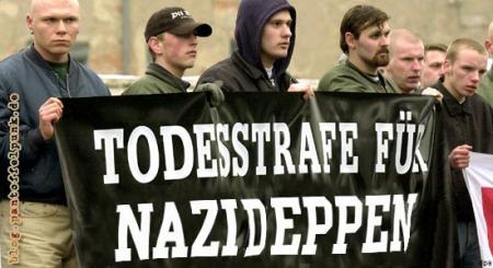 Drei Nazideppen ohne Hirn im Kopf... :-)